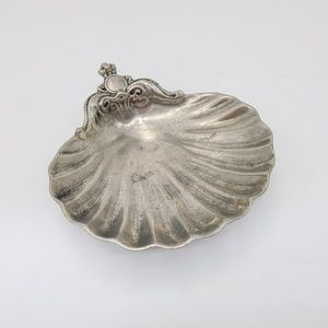 Vintage 95% pewter sea shell dish silver tone